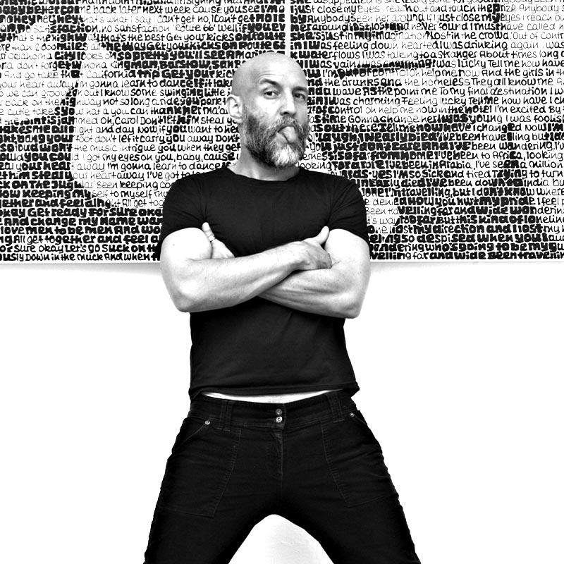 Sascha Lehmann alias SAXA in front of hist artwork - artist presented by premium modern art