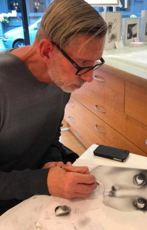 Dan Pyle at work in gallery Premium Modern Art