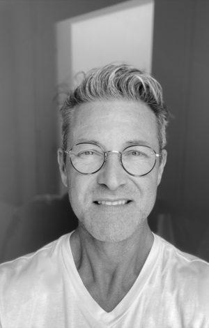 Todd Williamson in his Studio - Portraitfoto